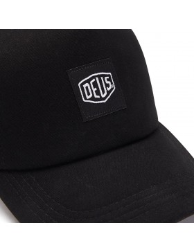 DEUS Hat Glover Trucker - black