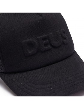 DEUS Hat Trucker Capital Letters- black