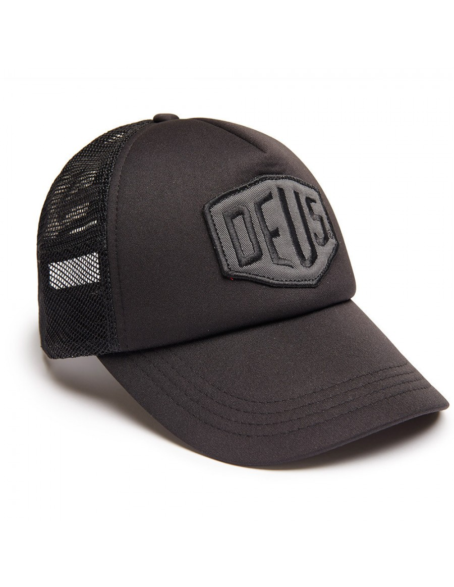 DEUS Trucker hat Colour Shield - black