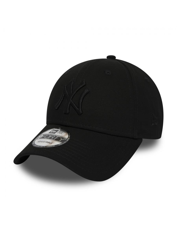 New Era 9Forty Curved cap (940) NY Yankees - Black on Black Snapback
